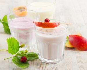 smoothie-cu-iaurt-si-fructe