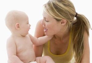 652x450_085432-bebelusii-citesc-pe-buze-inainte-de-a-vorbi-prima-oara
