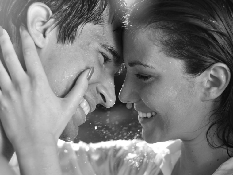 Love-Emotions-in-the-rain-hd-wallpapers