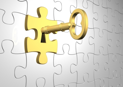 photo-gold-key-in-puzzle-door
