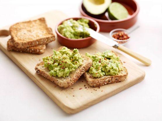 5-retete-cu-avocado-pentru-micul-dejun_size1