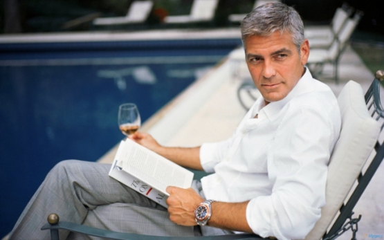 george_clooney_reading